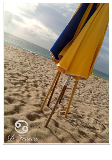 beach_umbrellas_coast_color_palette_donna_frasca