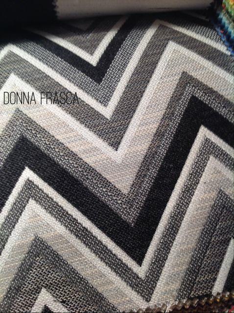 bold_color_pattern_black_white