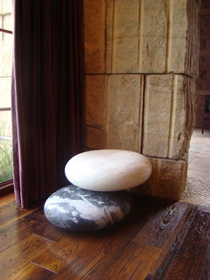 charles-luck-stone_pebble_seating