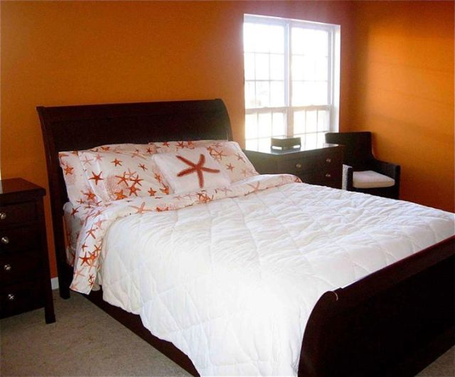 orange-bedroom.jpg